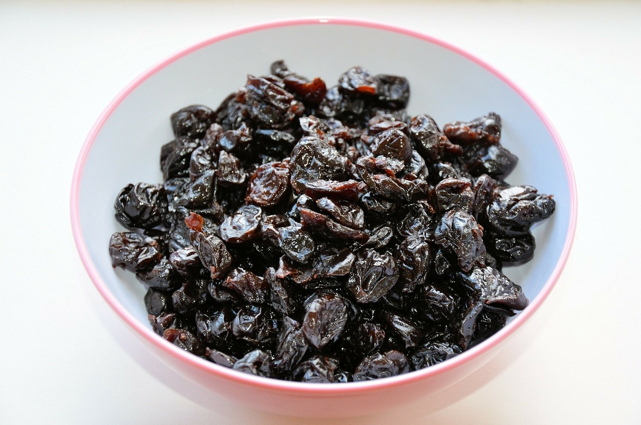 Pack dried fruit for travel