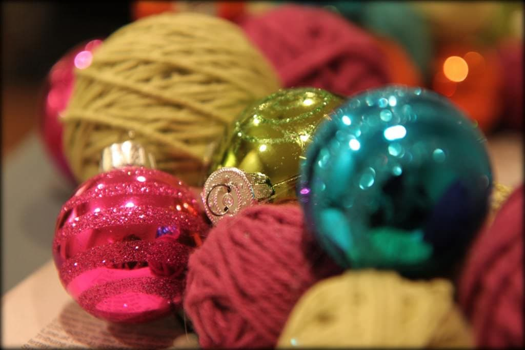 yarn ball wreath 2
