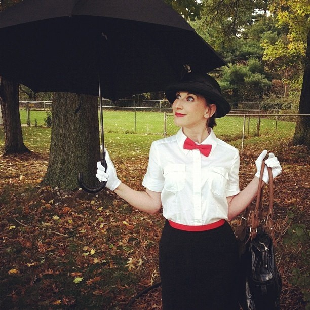 Mary_Poppins_and_Bert_2