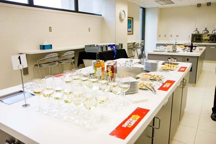 Blind Taste Testing at ALDI Headquarters