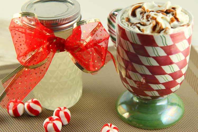DIY_Starbucks_Peppermint_Mocha_2