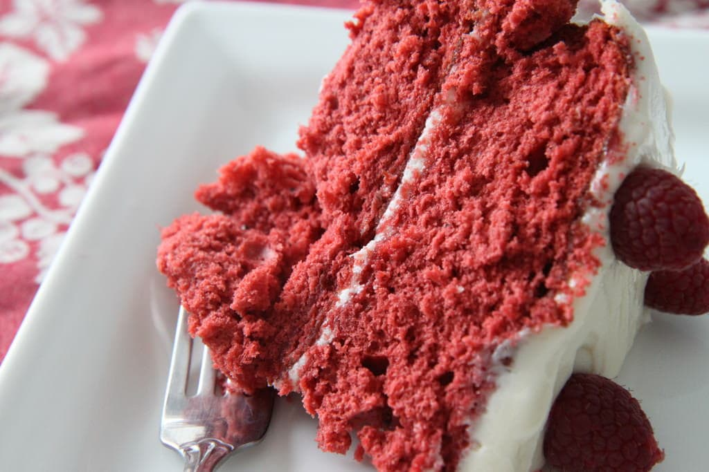 Red Velvet Cake With Cream Cheese Frosting - MomAdvice