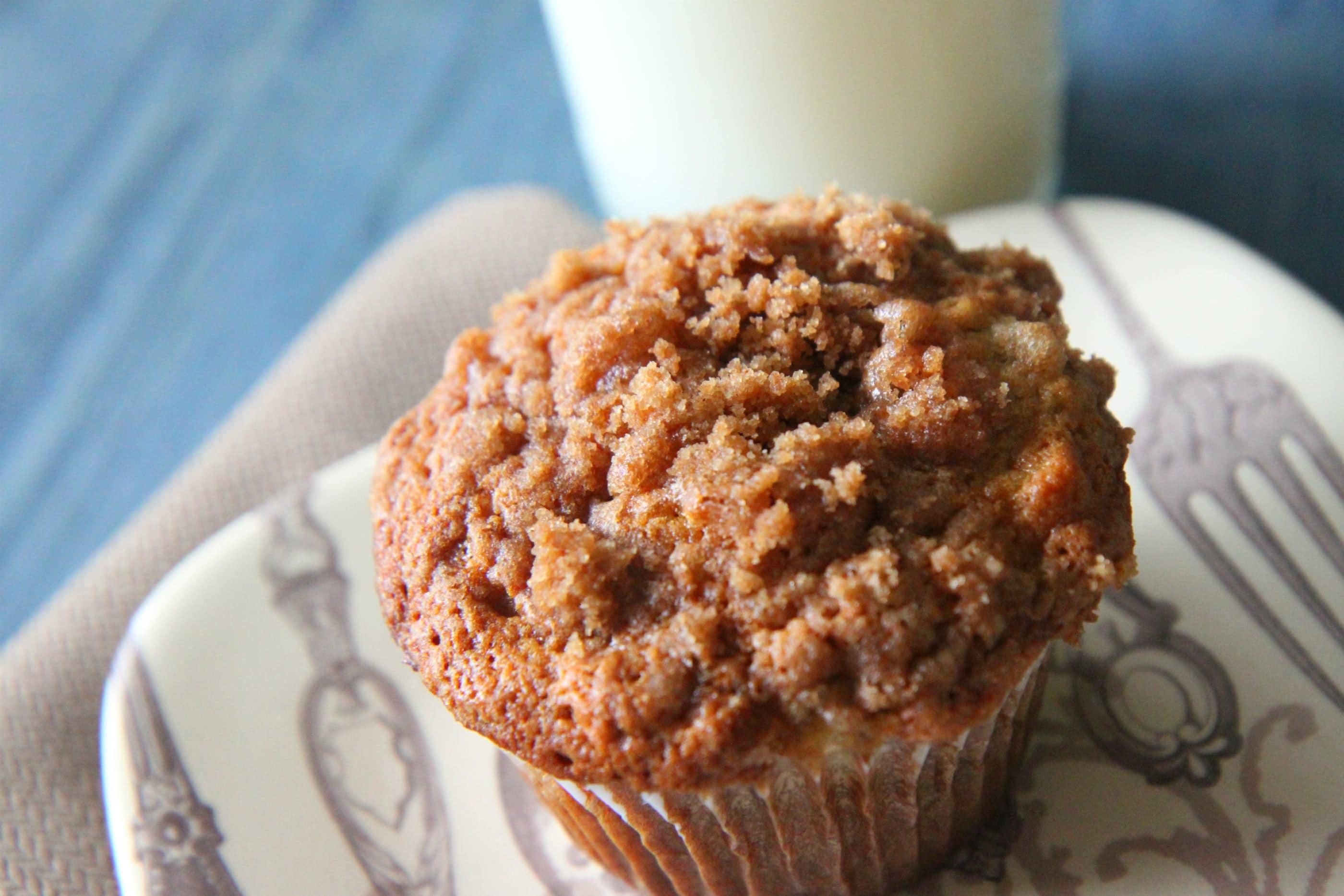 Banana Crumb Muffins - MomAdvice
