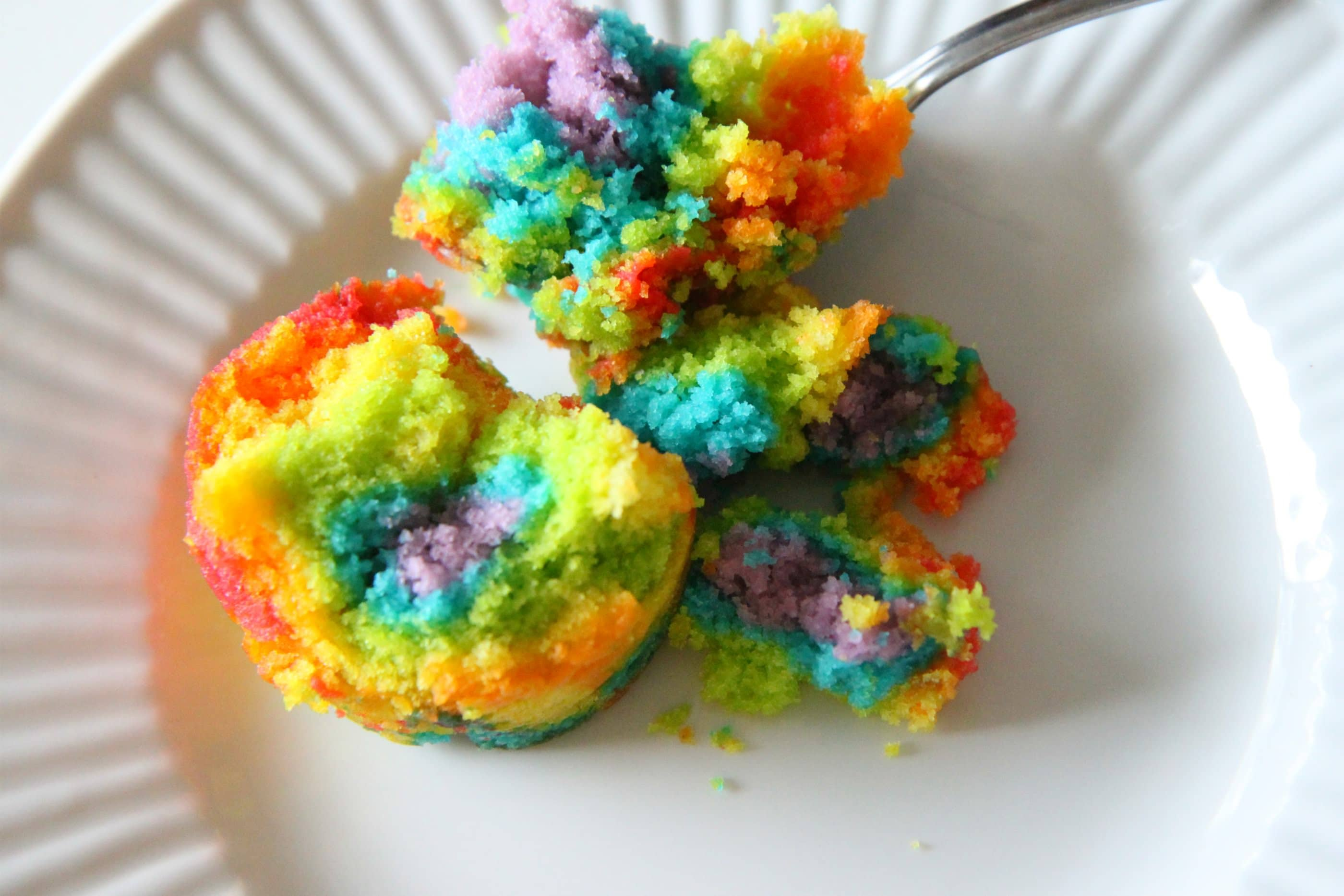 Rainbow Cake in a Jar with Cloud Frosting - MomAdvice