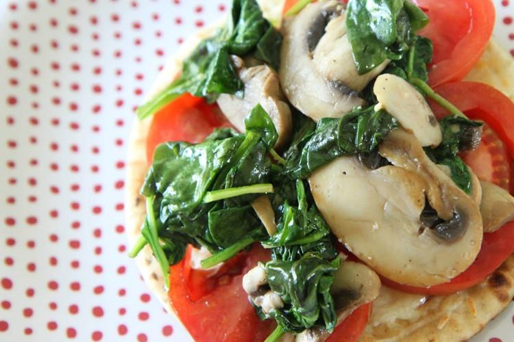 Spinach, Tomato, & Mushroom Pizza