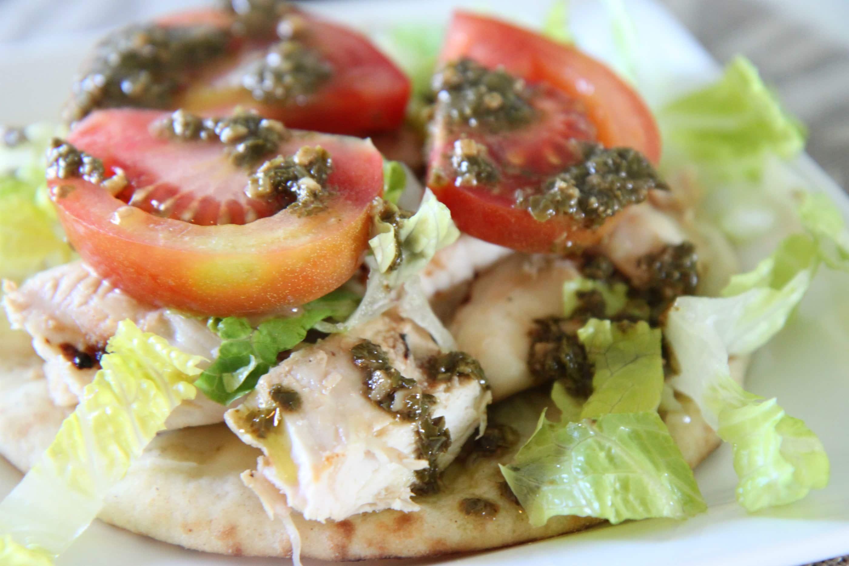 ... momadvice.com/blog/2012/04/chicken-pesto-open-faced-flatbread-sandwich