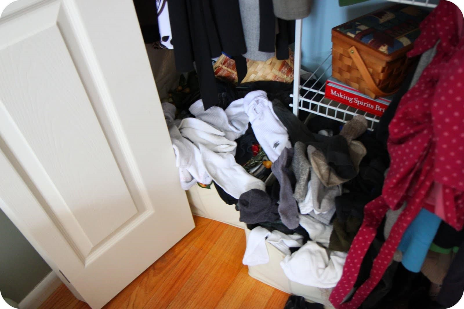 Tips & Tools for Affordably Organizing Your Closet