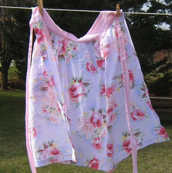 vintage-pink-apron