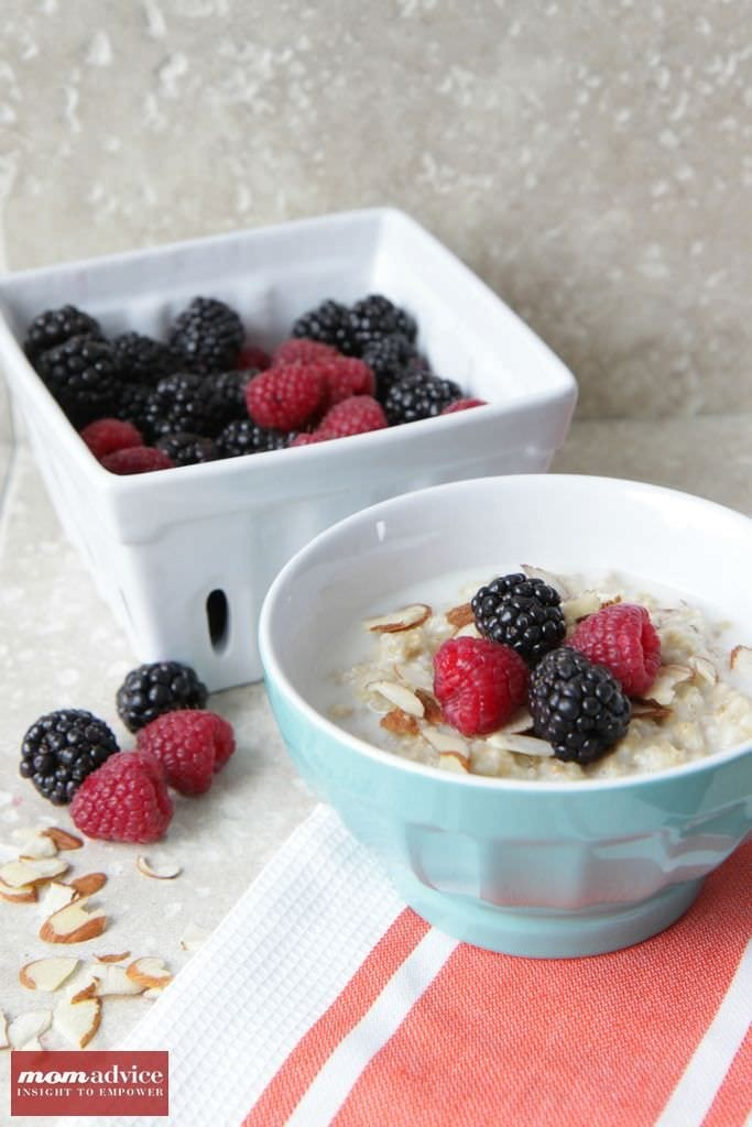 Quinoa-Berry Breakfast Bowls