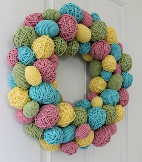 yarn-egg-wreath