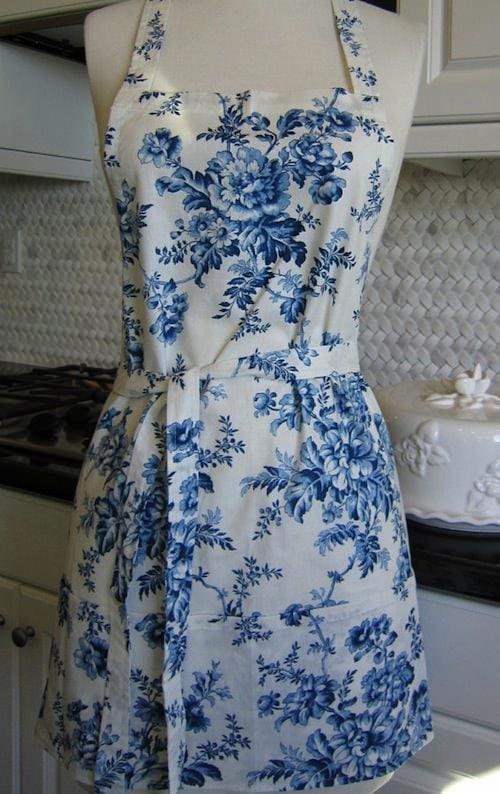 blue-floral-apron