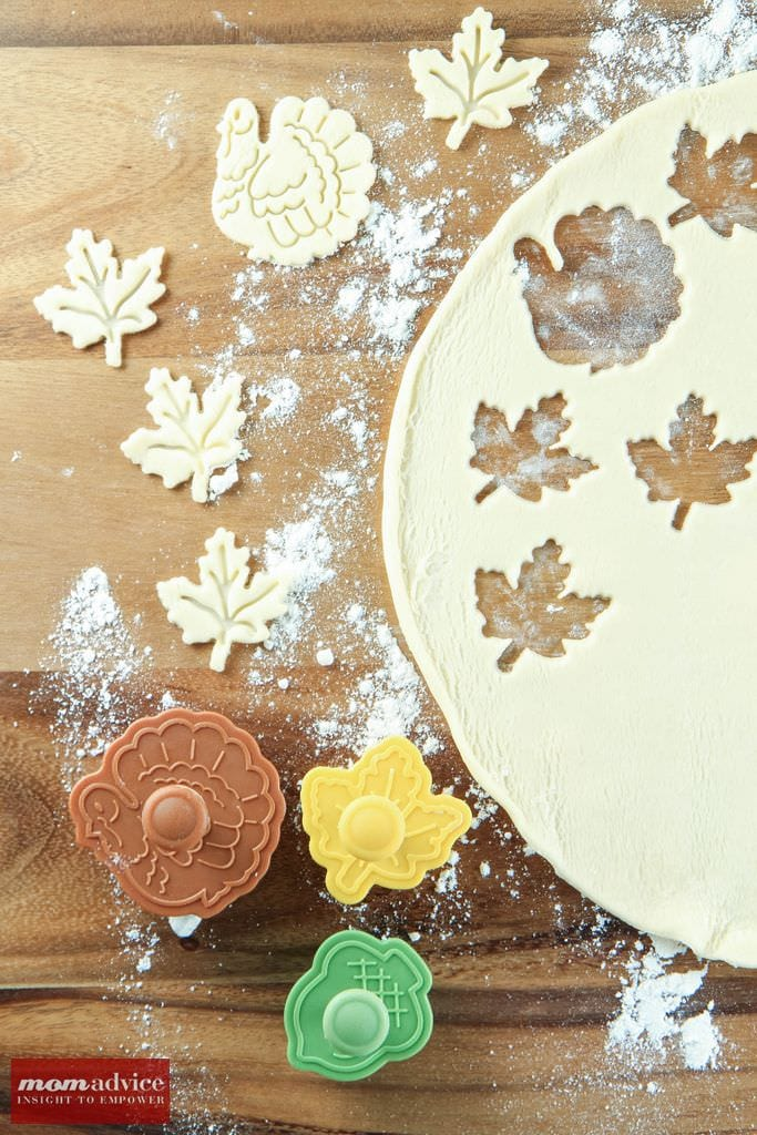 5 Ways to Decorate Store-Bought Pies from MomAdvice.com.
