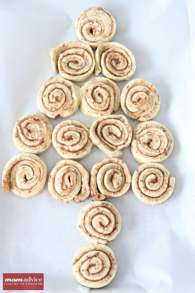 Easy Christmas Tree Cinnamon Rolls