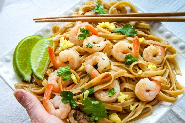 Gluten-Free Pad Thai With Shrimp - MomAdvice