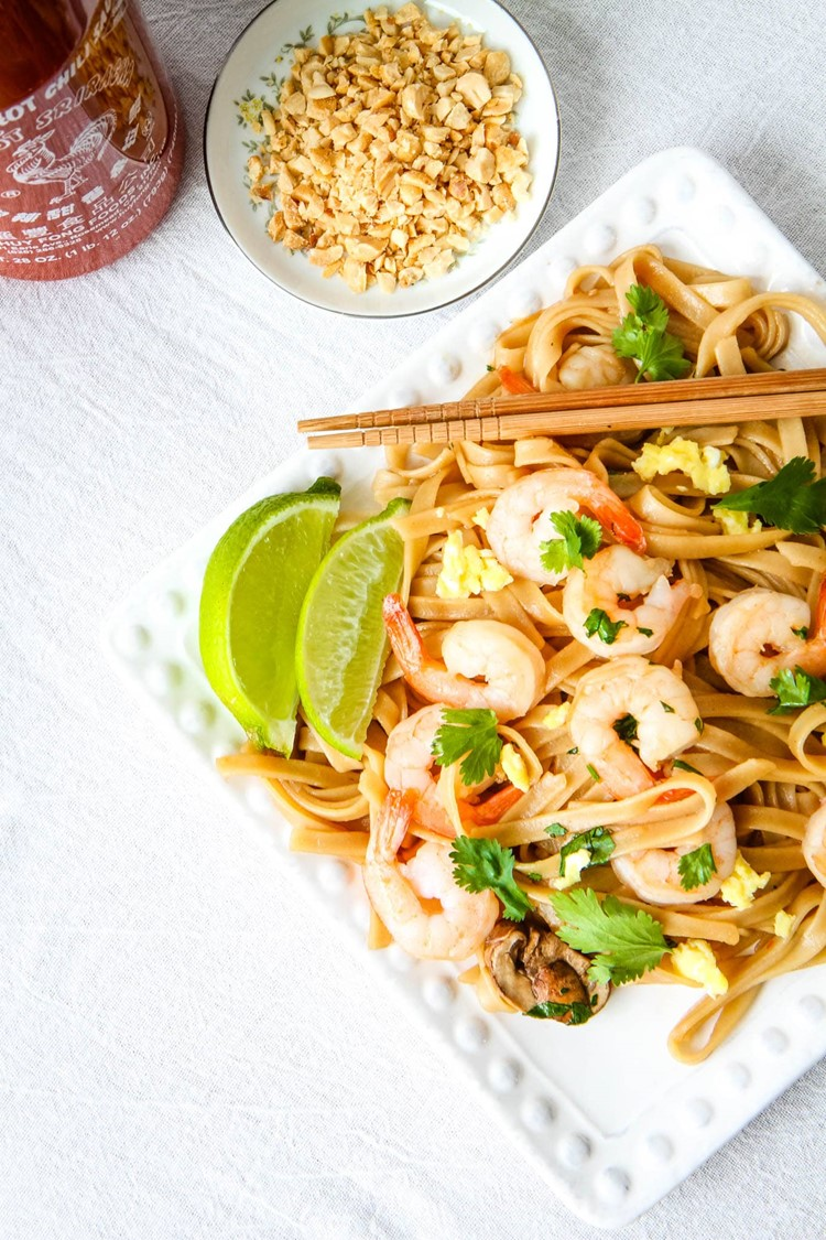Pad Thai With Sriracha and Peanuts