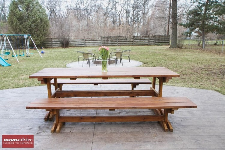 How To Stain A Picnic Table MomAdvice - How to stain a picnic table