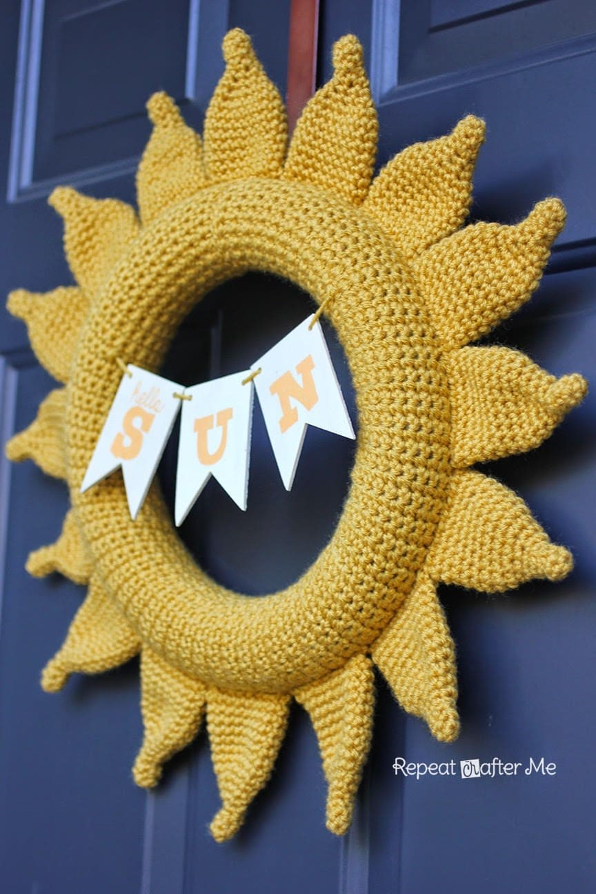 Crochet Sun Wreath via Repeat Crafter Me