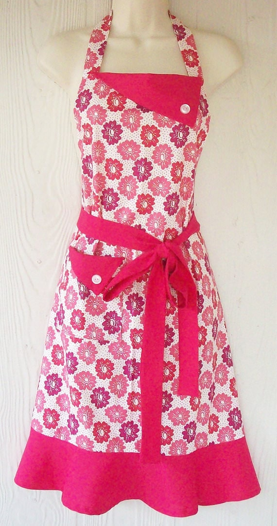 Pink flower apron via Eclectasie