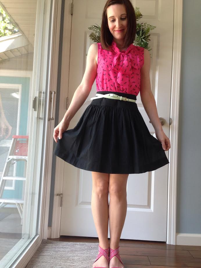 bow top + black a-line skirt + mint belt