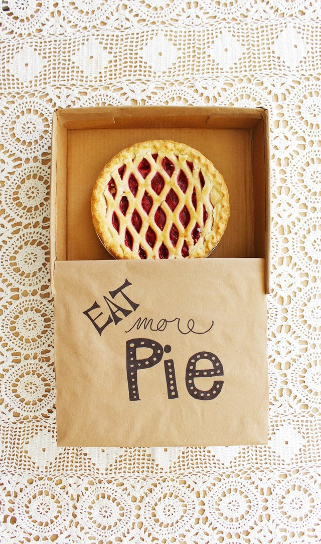 DIY Cardboard Pie Box via A Joyful Riot