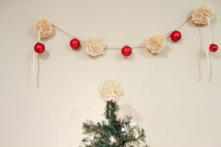 Yarn Pom-Pom & Ornament Garland from MomAdvice.com