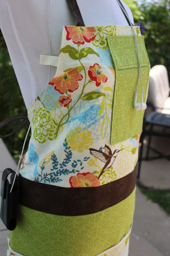 hummingbird apron via etsy