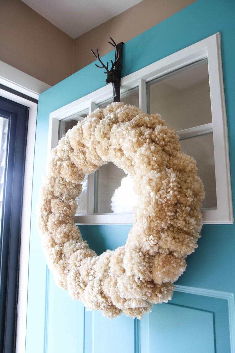 How to Make a Yarn Pom Pom Wreath