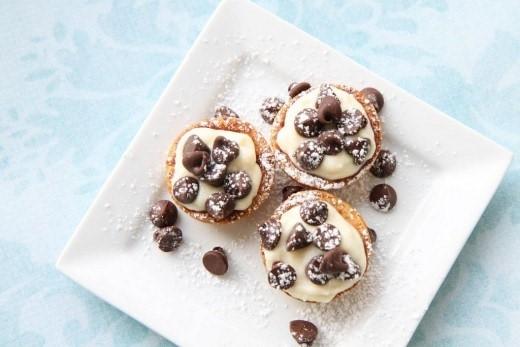 Mini Cannoli Cream Pastry Cups (For Annie the Movie)