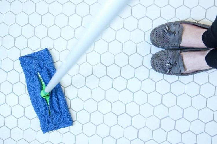 DIY Wet Swiffer Pads from MomAdvice.com