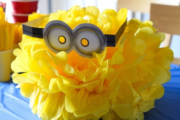 minions backyard bash  u0026 easy cupcake minion tutorial