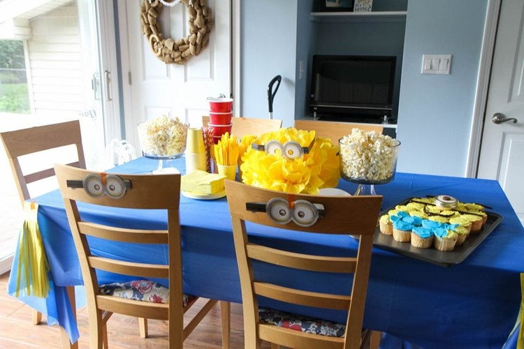 MINIONS Backyard Bash & Easy Cupcake Minion Tutorial from MomAdvice.com #MinionsParty