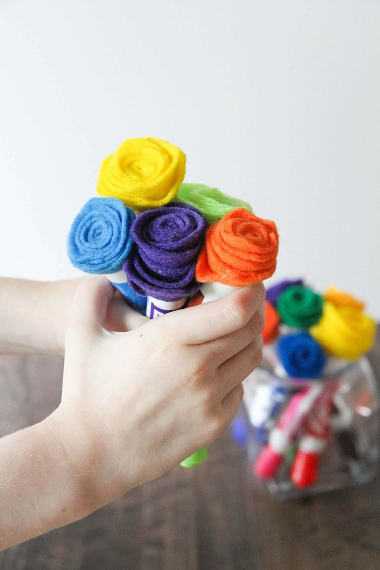 Felt-Flower-Dry-Erase-Markers-1