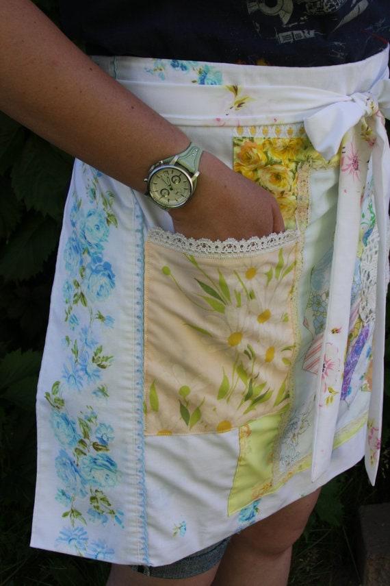 Vintage floral half apron via etsy