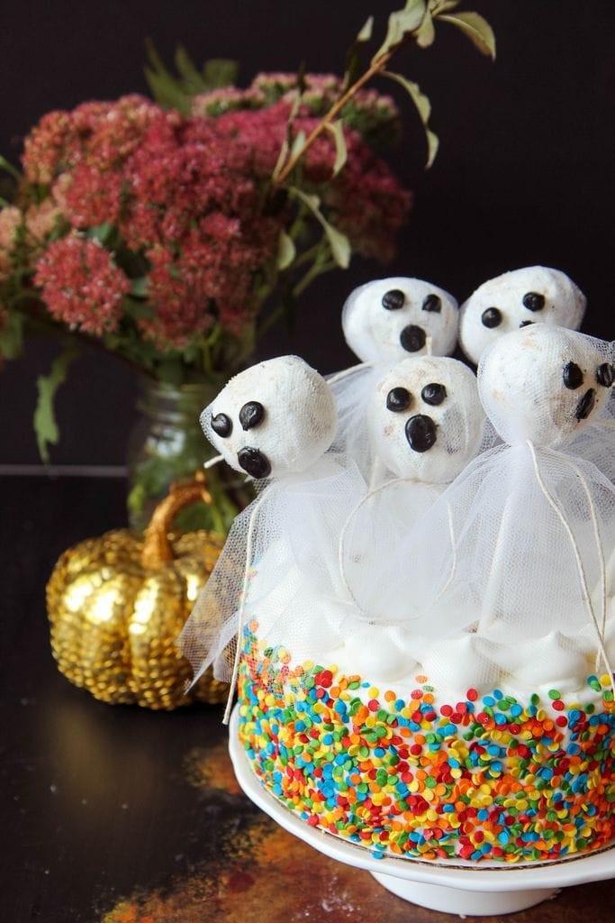doughnut-hole-ghost-cake