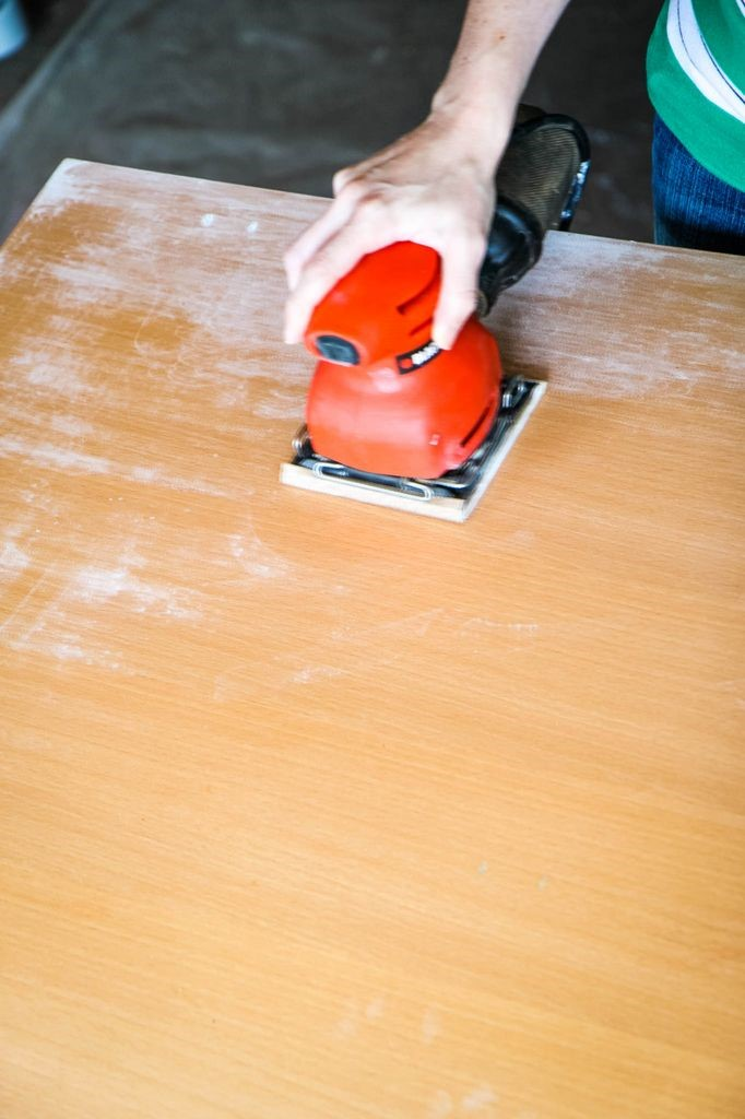 How to Paint a Kitchen Table Sanding