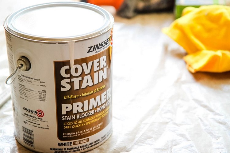 How to Paint a Kitchen Table Primer