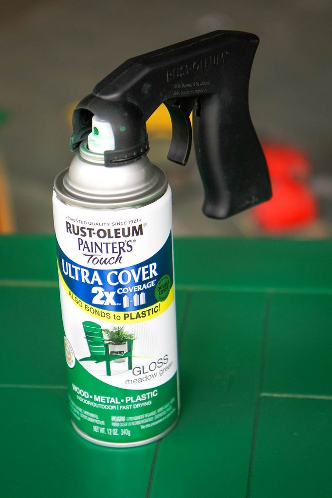 How to Spray Paint Furniture Painting