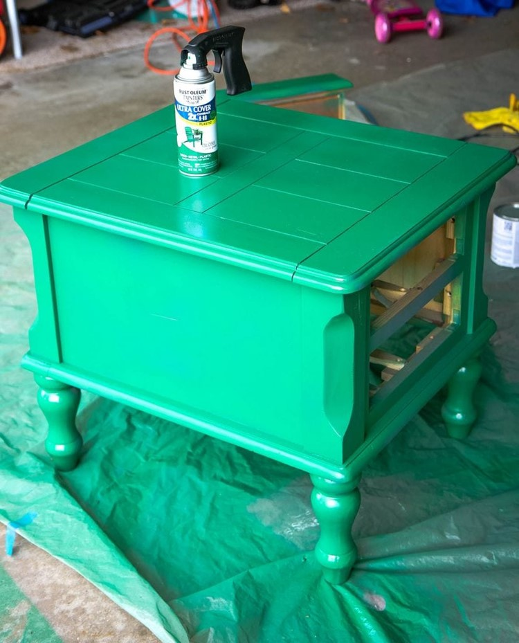 How to Spray Paint Furniture Paint Drying