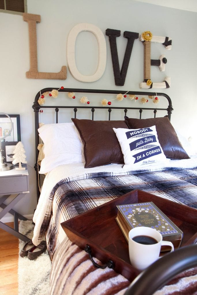 Cozy Up Your Holiday Bedding with MomAdvice.com
