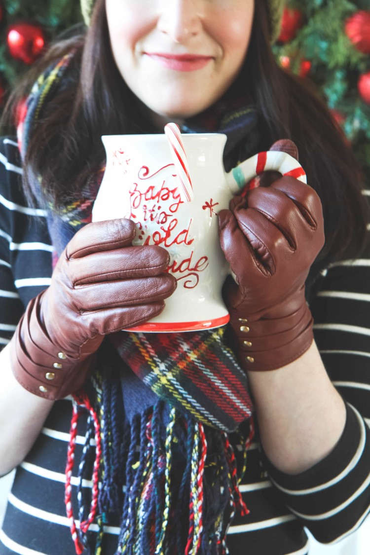 My Favorite Holiday Traditions (Peppermint Cocoa Recipe & GIVEAWAY)