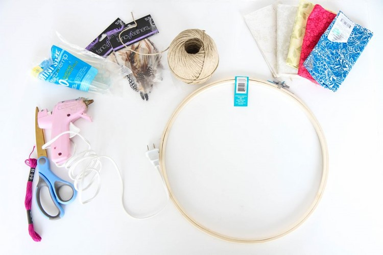 How To Make a Dream Catcher from MomAdvice.com