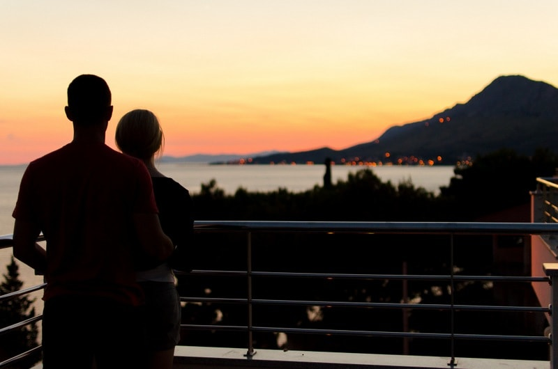 6 Ways to Date Your Husband in the Summer