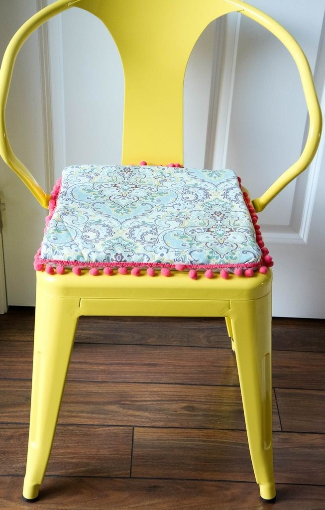 Wonderful DIY No Sew Reversible Chair Cushions From MomAdvice.com