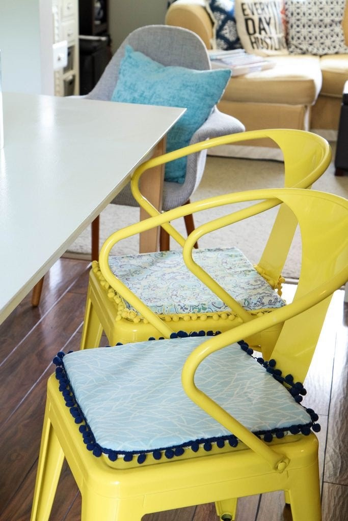 DIY No Sew Reversible Chair Cushions From MomAdvice.com