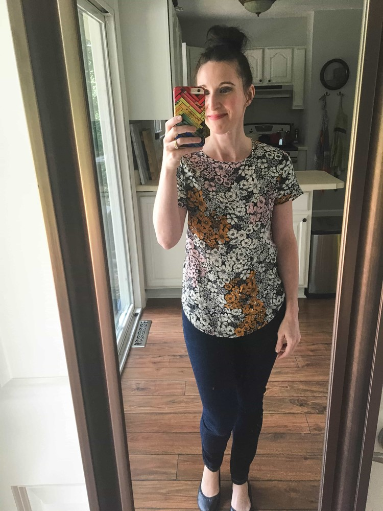 Floral Print Shirt, Skinny Dark Jeans, & Black Ballet Flats