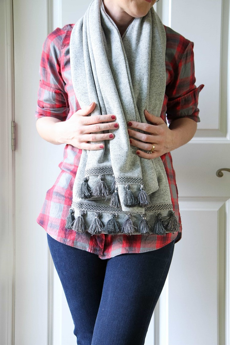 No-Sew Scarf With Hidden Pocket from MomAdvice.com