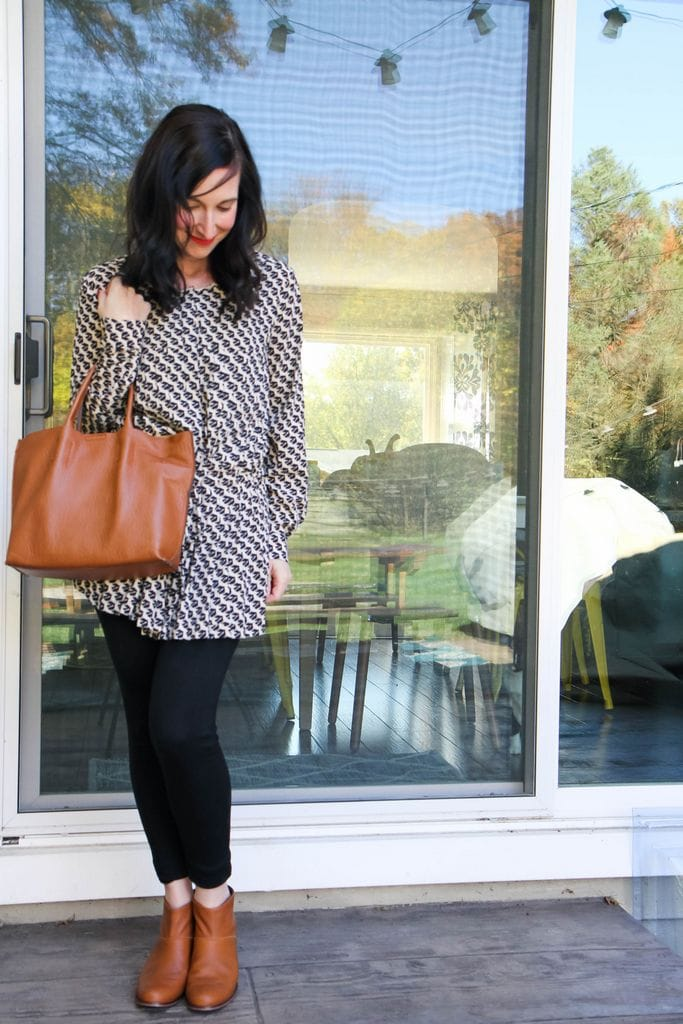 pleated patterned top + leggings + tan booties & bag