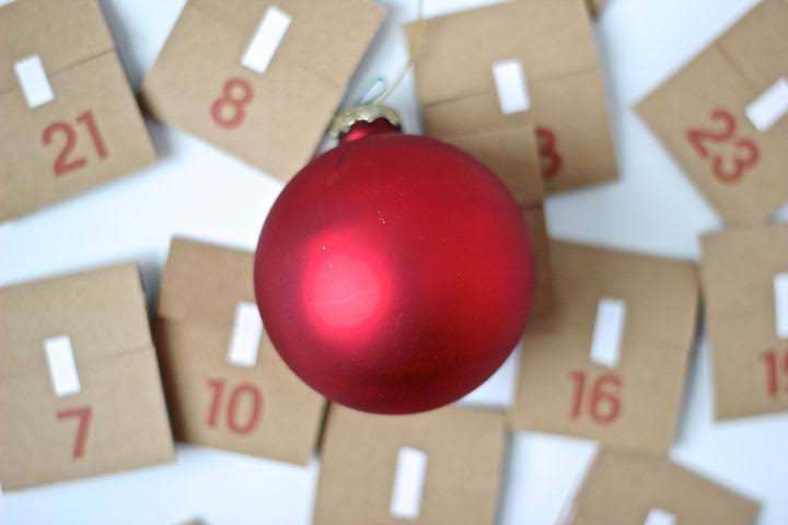 Free Printable Advent Calendar from MomAdvice.com