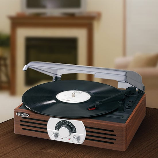 Jensen Turntable With Radio