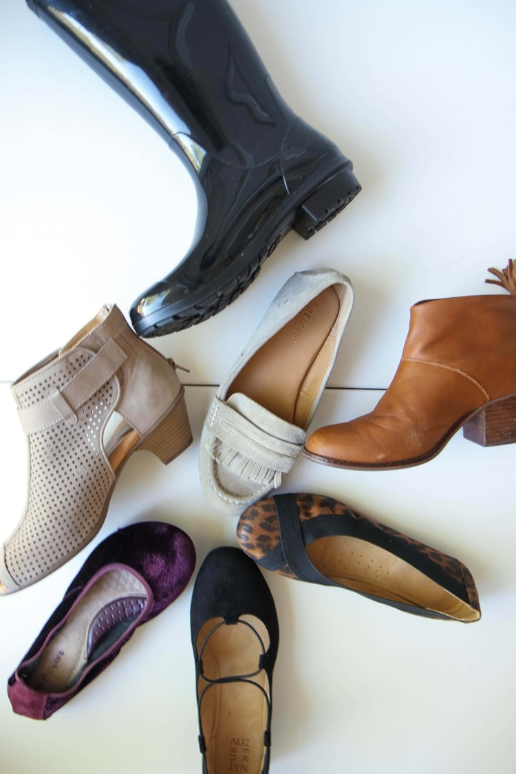 Fall 2017 Capsule Wardrobe Shoe Options from MomAdvice.com
